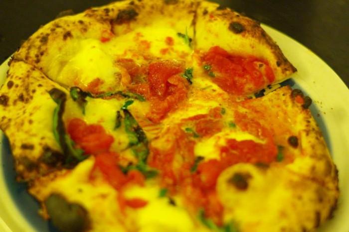 Pizza Margherita al Pomodorino di Corbara e San Marzano