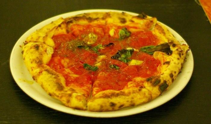 Pizza marinara con Pomodorini di Corbara